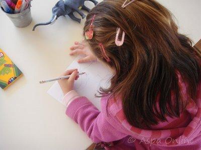 Η Εβίτα ζωγραφίζει