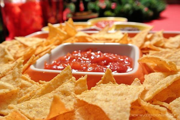 Μεξικάνικα τσιπς και σάλτσα