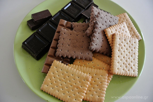 Μπισκότα, σοκολάτες