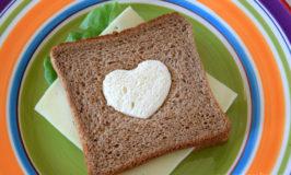 Πώς να φτιάξετε ένα σάντουιτς δύο χρωμάτων για παιδιά