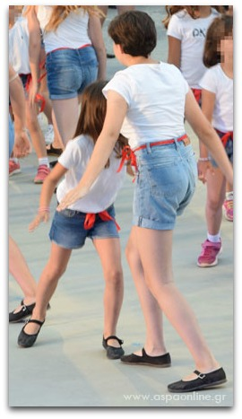 Ένα παιδί που χορεύει: Εκτάκι και πρωτάκι