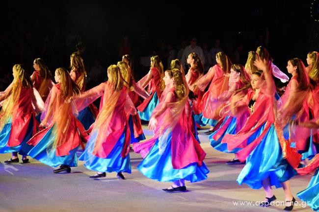 Ένα παιδί που χορεύει: Περσικός