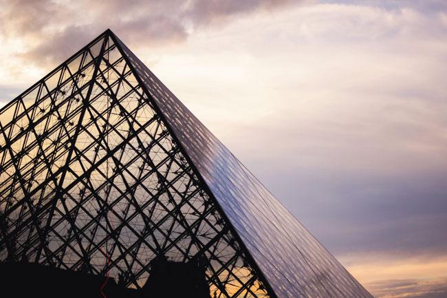 Εξερευνήστε σπουδαία μουσεία - 50 τρόποι για να ταξιδέψετε χωρίς να βγείτε από το σπίτι
